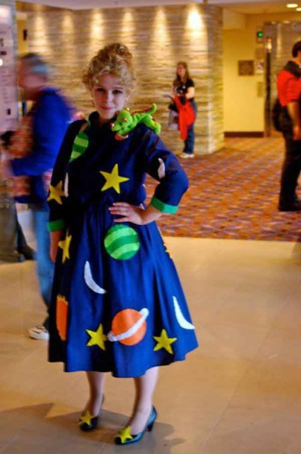 Miss Frizzle from Magic School Bus Halloween Costume